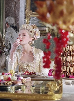 MARIE ANTOINETTE Eating